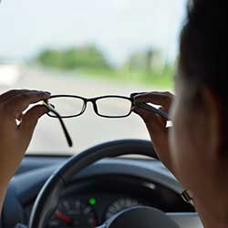 One in Four Canadians Admit to Driving Without Their Glasses